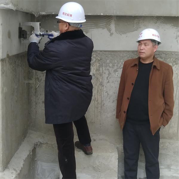 粘结材料粘合加固材与基材的正拉粘结强度检测